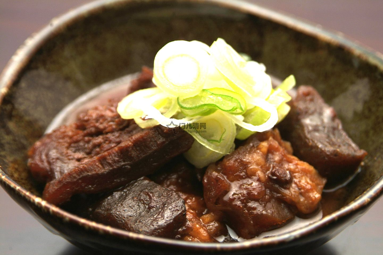 菜单:土手味噌煮(どて煮)