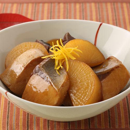 菜单:煮鱼-鰤鱼萝卜煮(鰤大根)