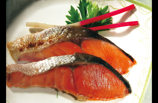 菜单中文音译: 瞎开 诺 喜欧压ki 菜单中文名称: 盐烤三文鱼,盐烤鲑鱼